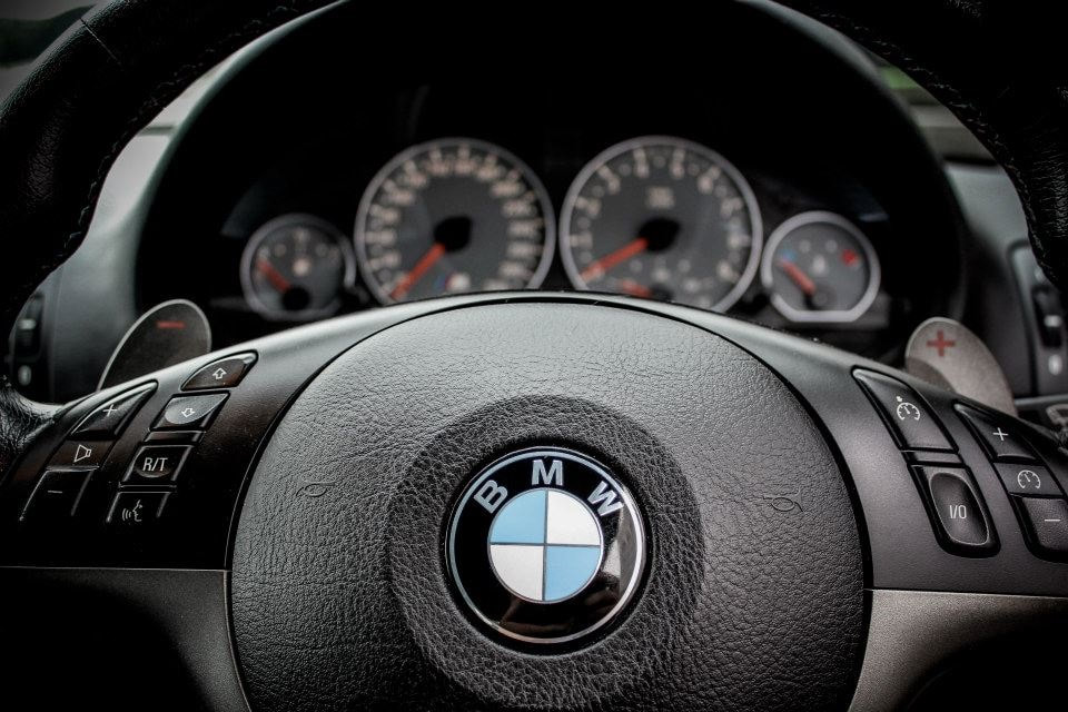 m3-steering-wheel_2_orig.jpg