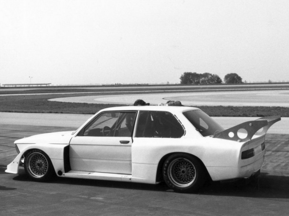 bmw_320i_turbo_group_5_test_car_2.thumb.jpg.d93b04ce5d409d9b56b7cc21e4cf017d.jpg