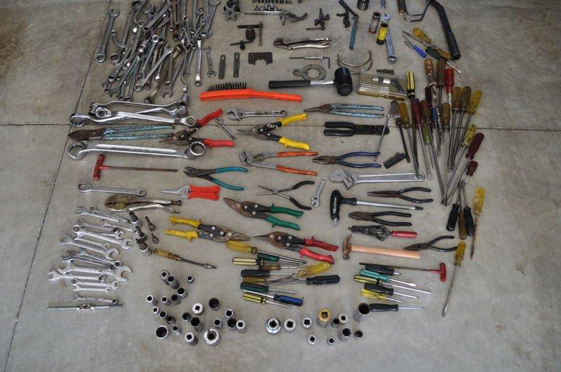 Tools3.jpg.58bef18dc9af6ccf353e907a3563faf4.jpg