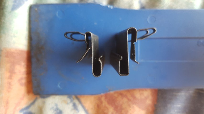 Weather strip clips Steel v Alloy (Small).jpg