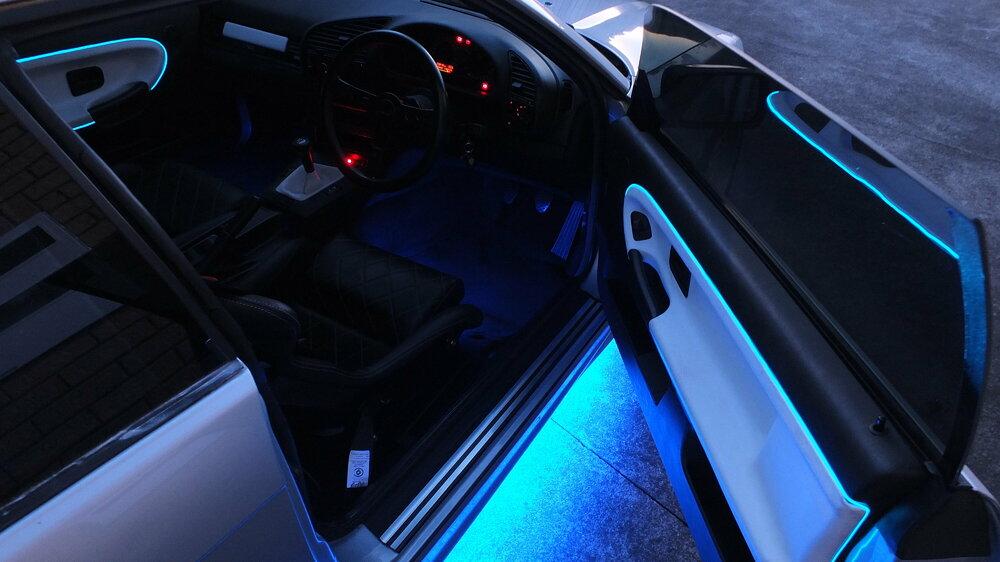 Neons-interior.thumb.JPG.eb5559072e9d508eb756a1c9120d3477.JPG