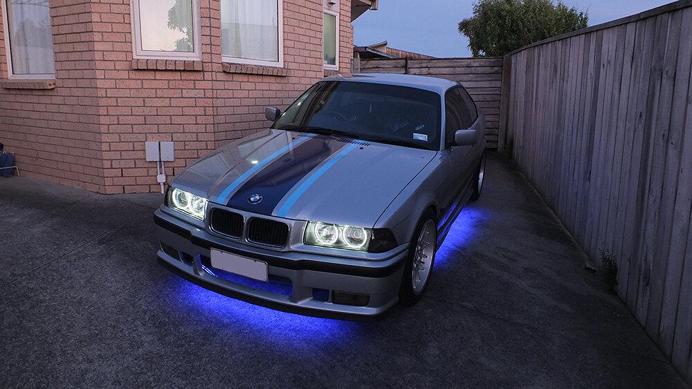 Neons-violet.JPG.b32e8c3a7091570b060ccd3875ac3d55.JPG